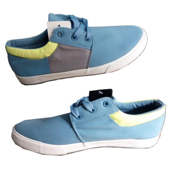 chaussure vans bleu ciel en promo f cfa. Black Bedroom Furniture Sets. Home Design Ideas