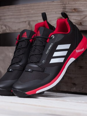 Adidas Fastshell boost couleur noir rouge